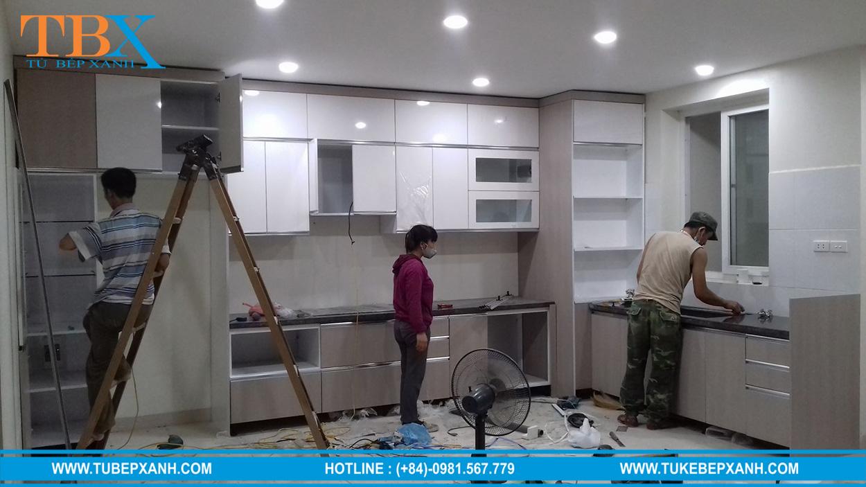 hoàn thiện tủ bếp acrylic ở quận 9