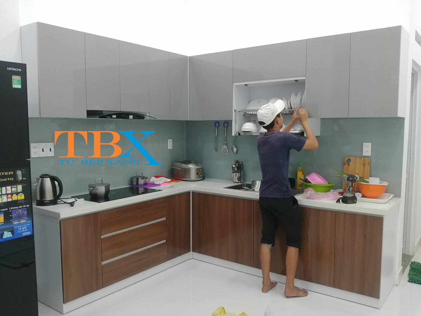 hình ảnh thi công tủ bếp