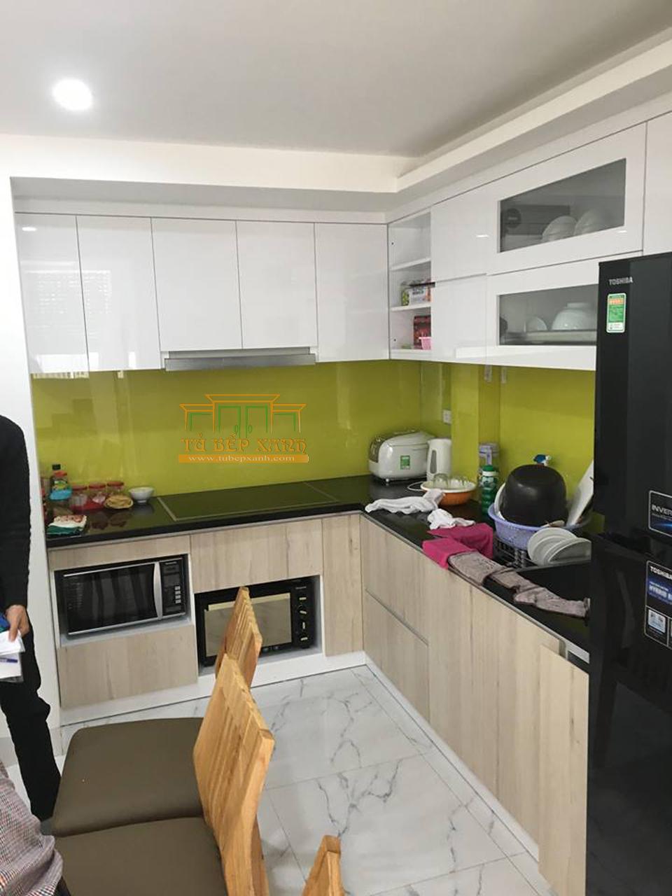 thi công tủ bếp l cho căn hộ chung cư