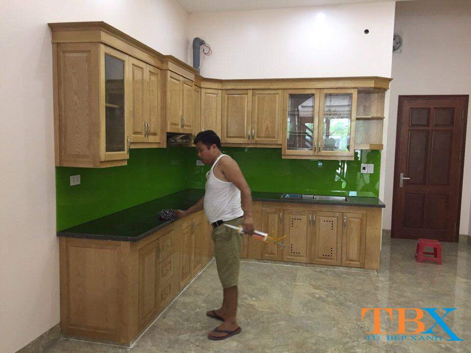 đóng tủ bếp gỗ sồi – những mẫu thi công tủ bếp gỗ sồi đẹp HCM