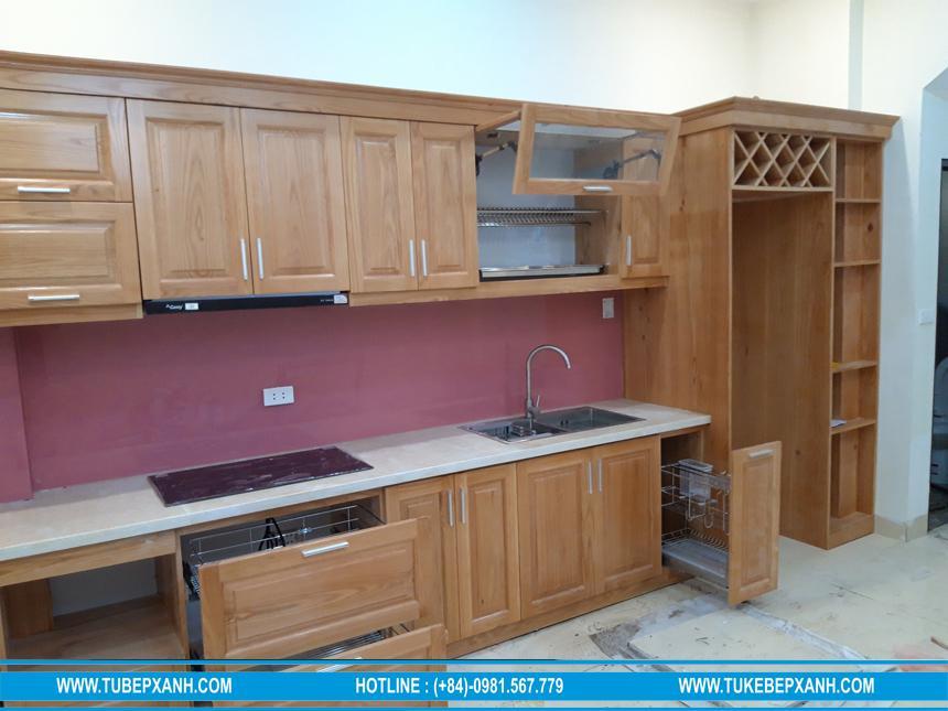 Đóng tủ bếp gỗ sồi tự nhiên